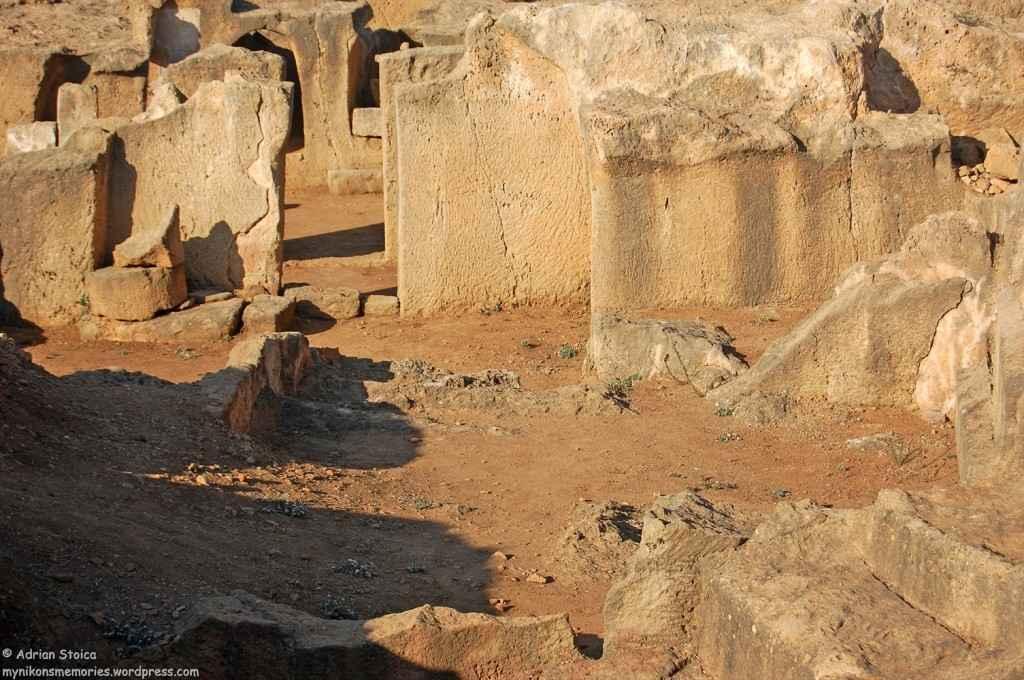 Tombs11