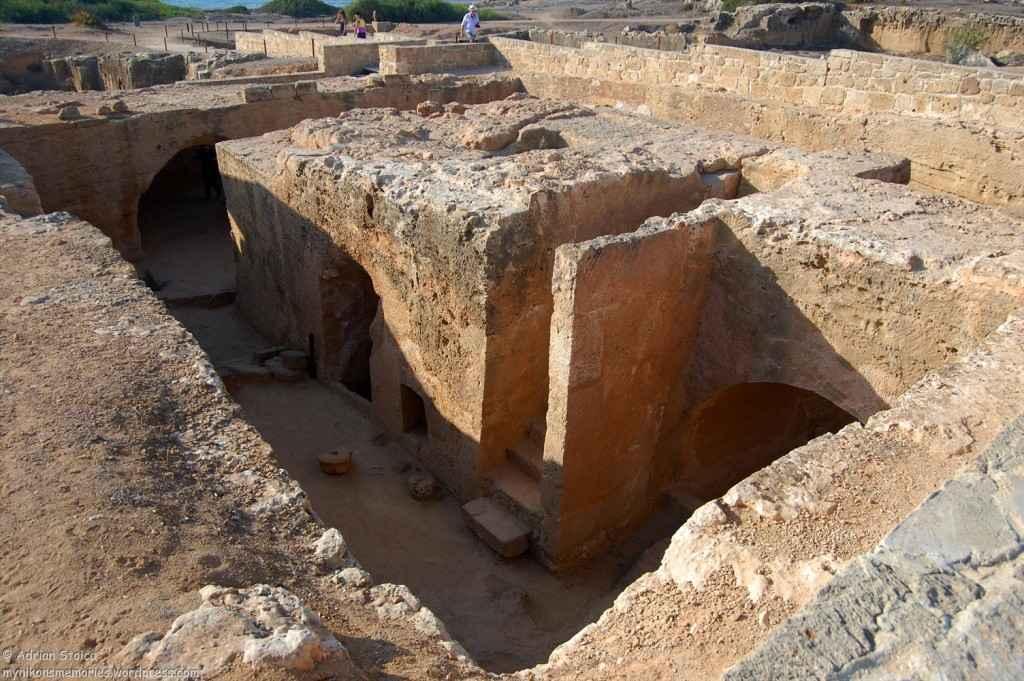 Tombs15