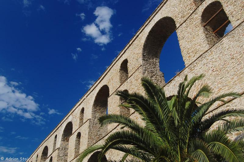 kavala-aqueduct-kamares2